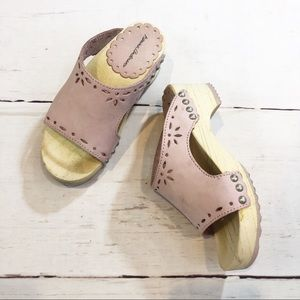 Hanna Andersson Clogs